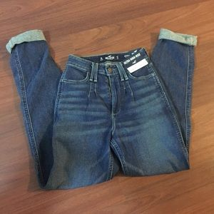 NEW Hollister Ultra High Rise Jeans